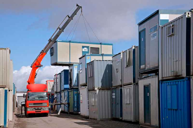 hiab-crane-moving-cabin